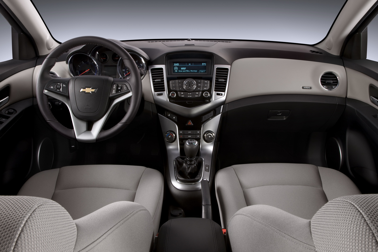 Cruze chevy cruze ltz review : THE CHEVY CRUZE | Trini car reviews